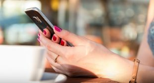 Link Between Cell Phone Use and Tumor Found By Italian Court