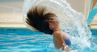 Swimming In a Pool With Sunscreen Puts You At Risk of Cancer, Researchers Say