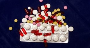Physicians Find Americans Taking Too Much Medication